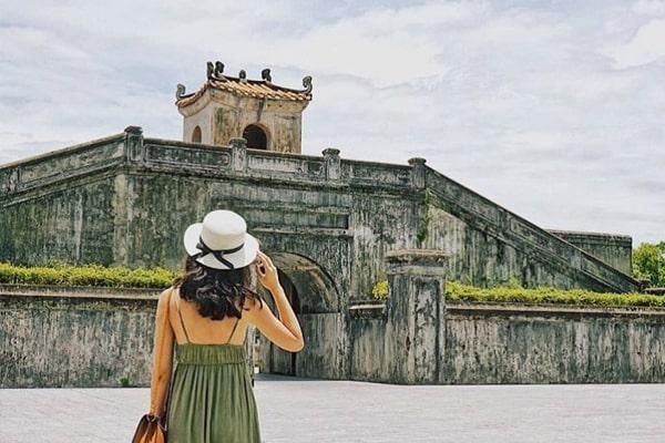 Ngày 3: Đồng Hới - Quảng Trị - Huế (Ăn: Sáng, Trưa, Tối)