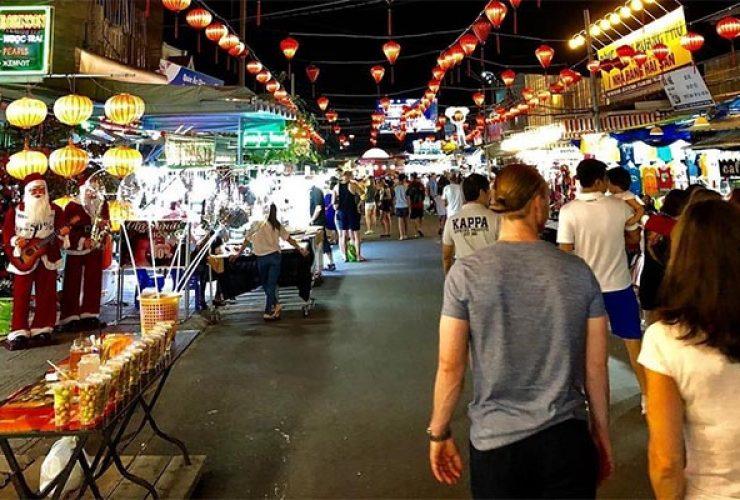 Cùng Ngọc Anh Travel khám phá chợ đêm Phú Quốc nhé